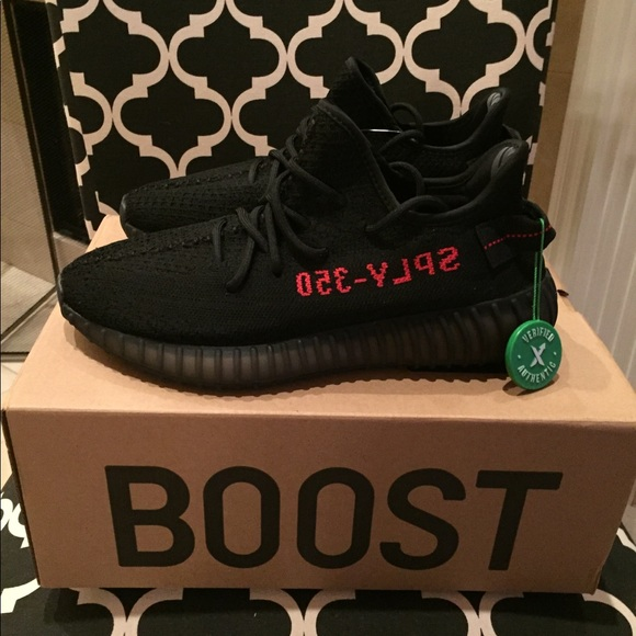 f57618514a534 Men s Adidas Yeezy Boost 350 V2 Bred Size 9 NEW